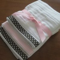 {adorably easy burp cloths}