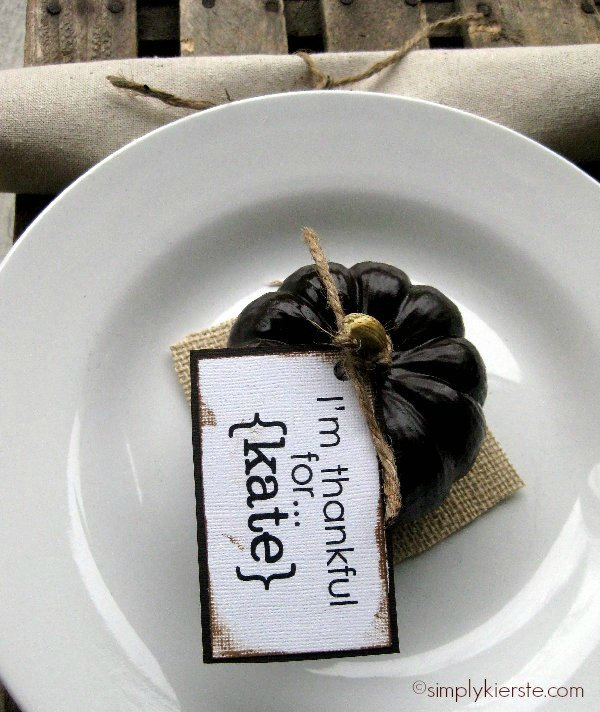 mini pumpkin place cards | simplykierste.com
