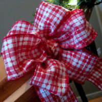 How to Tie a Fancy Bow the Easy Way!