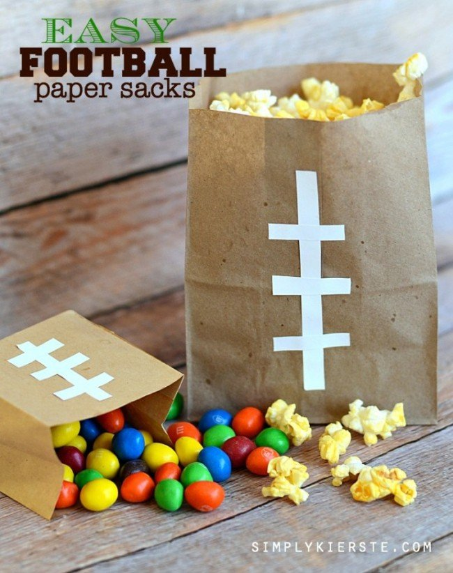 Football Paper Sacks | simplykierste.com