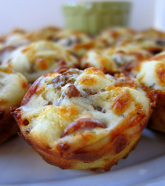 Sausage & Pepperoni Pizza Puffs   simplykierste.com