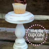 {easy DIY cupcake stand}