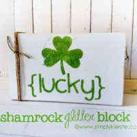 Glitter Shamrock Sign {St. Patrick's Day Decor}