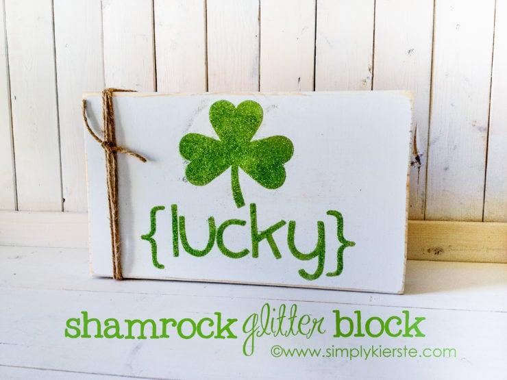 Glitter Shamrock Sign   simplykierste.com