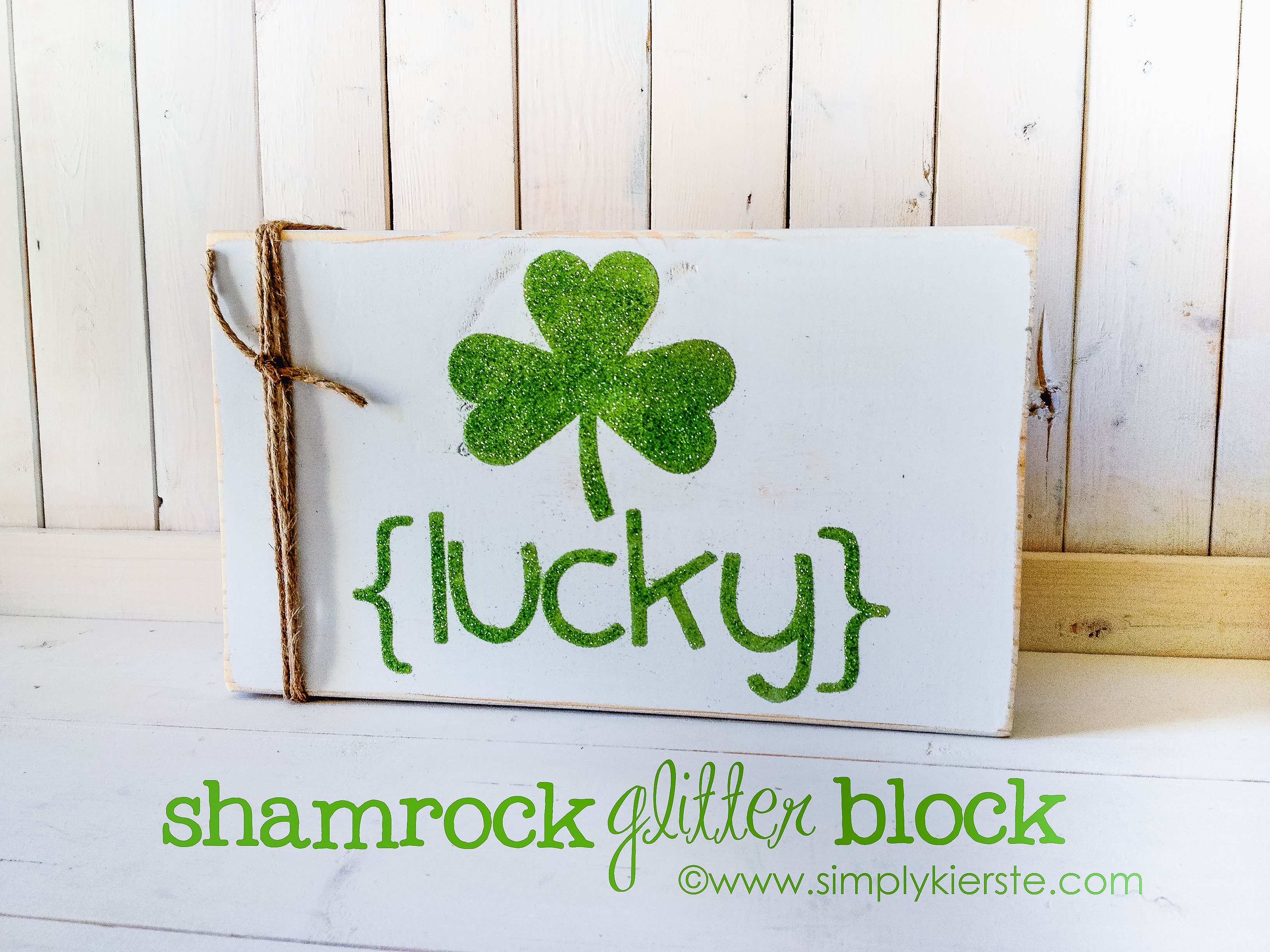 Glitter Shamrock Sign {St. Patrick's Day Decor}