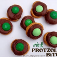 {mint pretzel bites}