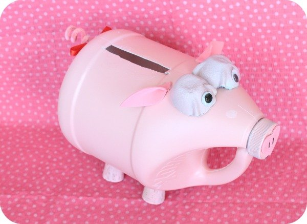 pretty little piggy mailbox