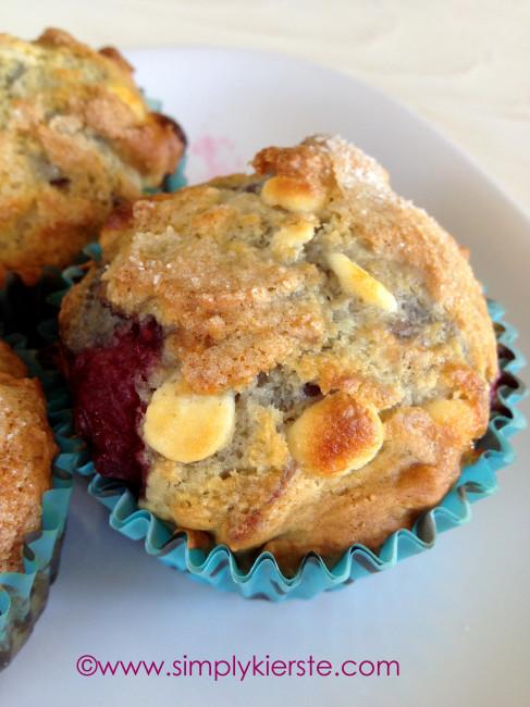 Skinny Raspberry & White Chocolate Muffins   simplykierste.com