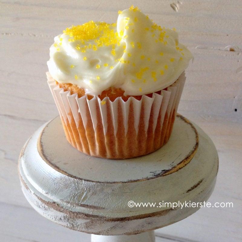 lemon cream cheese cupcakes | oldsaltfarm.com