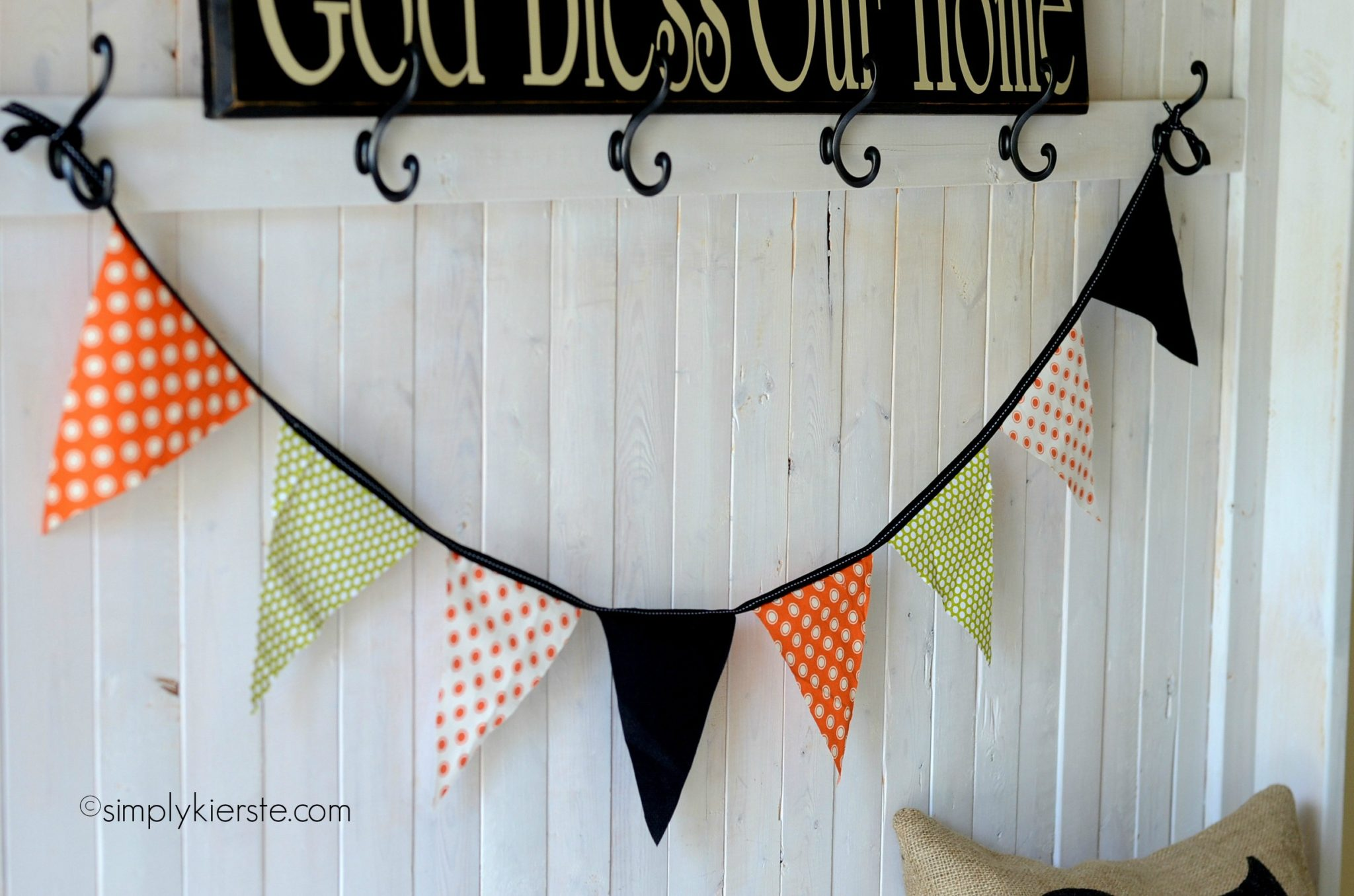 {simple fabric bunting}