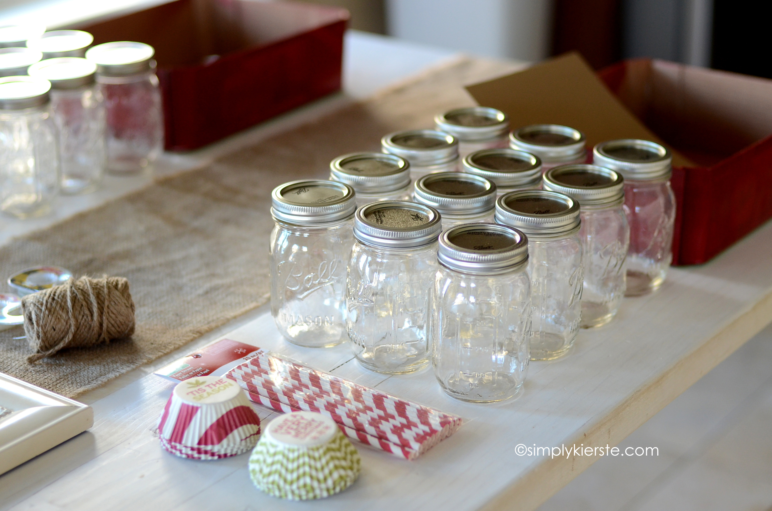 Holiday Mason Jar Craft Ideas