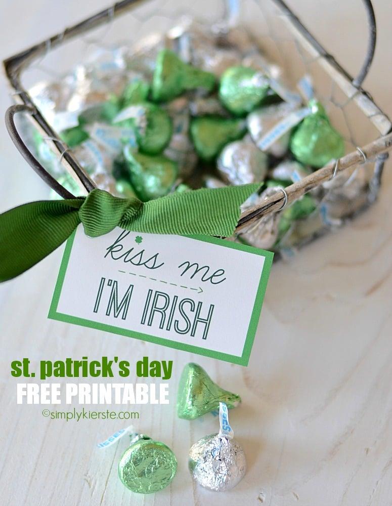ST. PATRICK'S DAY FREE PRINTABLE GIFT TAG {KISS ME, I'M IRISH}