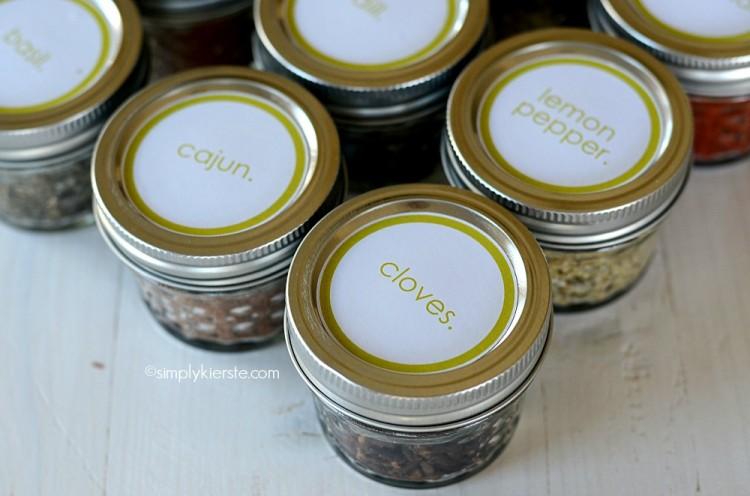 Mason Jar Spice Containers   oldsaltfarm.com