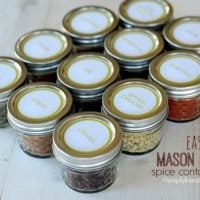 EASY MASON JAR SPICE CONTAINERS