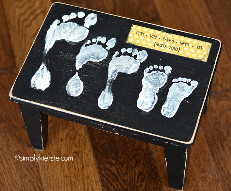 footprint stool | simplykierste.com