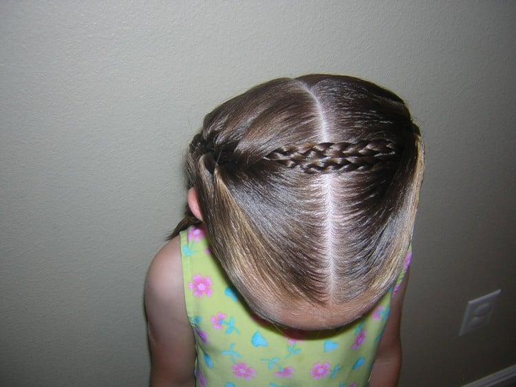 Summer Hairstyles for Little Girls | simplykierste.com