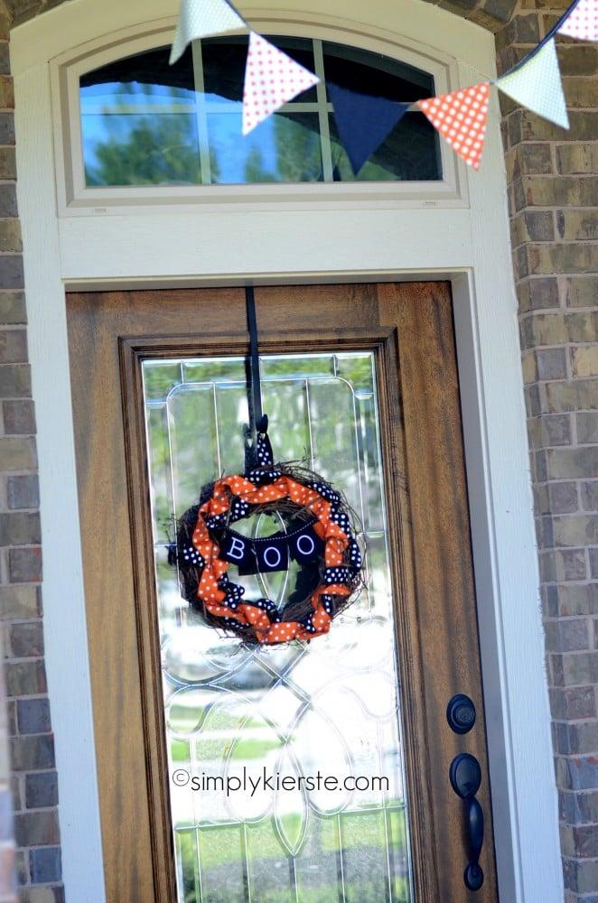 Halloween Grapevine & Ribbon Wreath | simplykierste.com