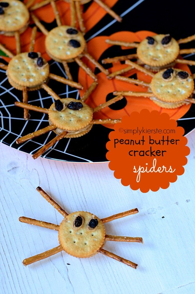 Peanut Butter Cracker Spiders | simplykierste.com