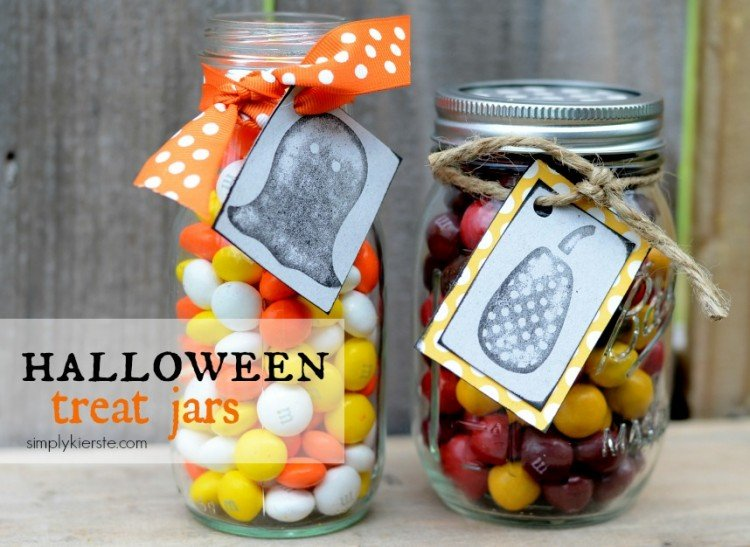 Halloween Treat jars | simplykierste.com