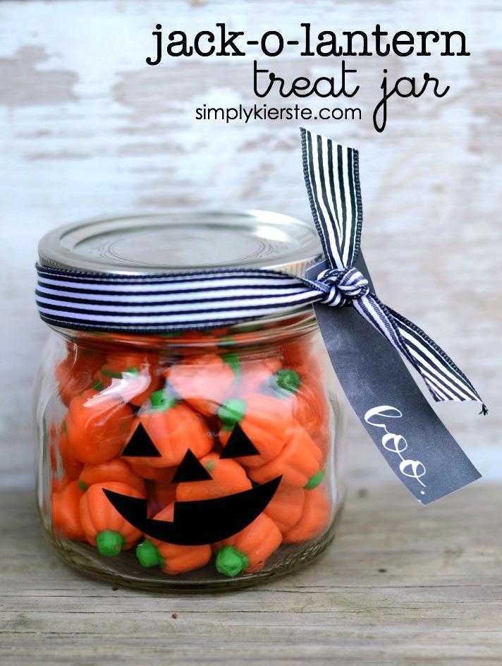Jack-o-Lantern Treat Jar | simplykierste.com