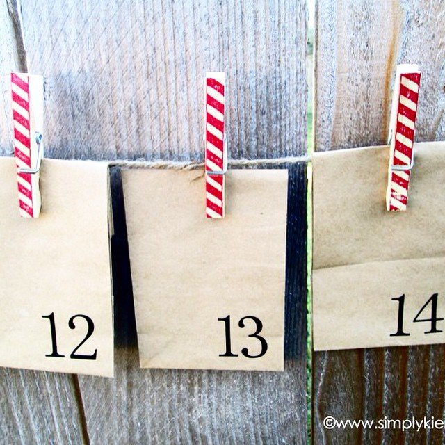 #Papersacks and #clothespins are all you need for this fun advent! Fill with candy or slips of paper with #family activities! All the details #ontheblog , just do a quick search! Link in profile. #simplykierste #christmas #christmasadvent #christmastradition