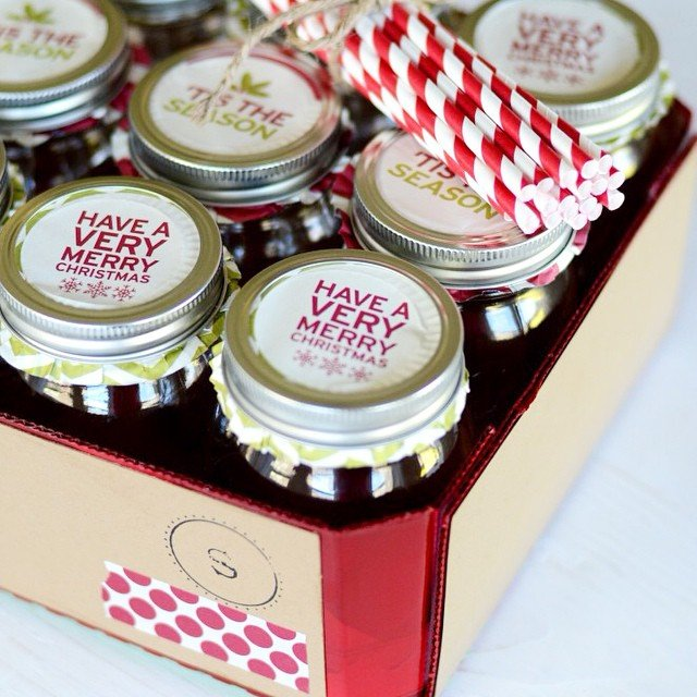 One of my favorite gifts to give is this #Christmas #MasonJar set! Perfect for friends, teachers, and more! Quick search will bring it right up, #linkinprofile #simplykierste #christmasgifts #neighborgifts #michaelschristmas #makeitwithmichaels