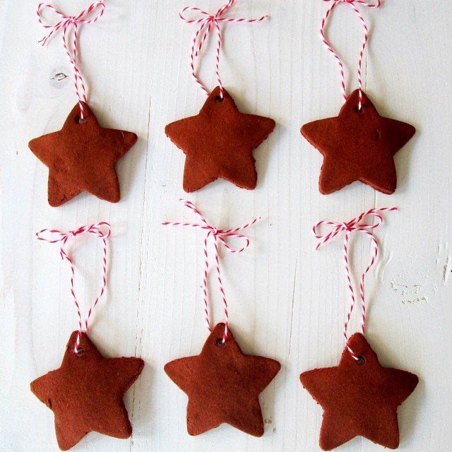 #Handmade Cinnamon #Ornaments are super easy to make, totally adorable, and make your house smell amazing!! Tutorial #ontheblog , just search for cinnamon ornaments and they will come right up! Link in profile. #simplykierste #christmas #christmasornaments