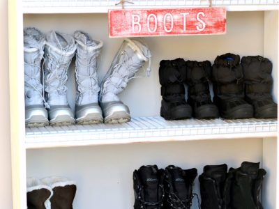 Easy Shoe Shelf for Winter Boots | simplykierste.com
