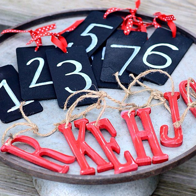 Super easy and adorable #diy Personalized #Christmasornaments #ontheblog today! They're budget-friendly, and perfect on your tree or for gift-giving! #linkinprofile #simplykierste #Christmas