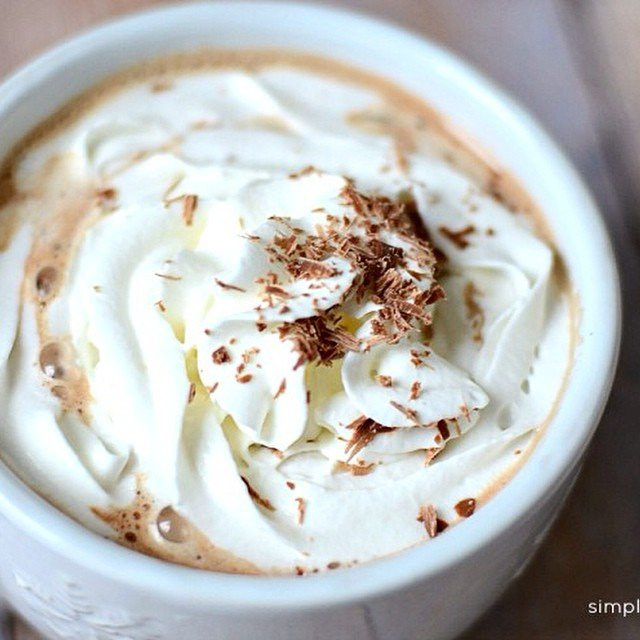 Easy Homemade Mexican Hot Chocolate #ontheblog today! The added #cinnamon & #nutmeg bring a depth of flavor to the #chocolate that is divine. Perfect for home and company too! Link in profile. #simplykierste #hotchocolate #recipe #holidayrecipe #christmasrecipe #yummydrink
