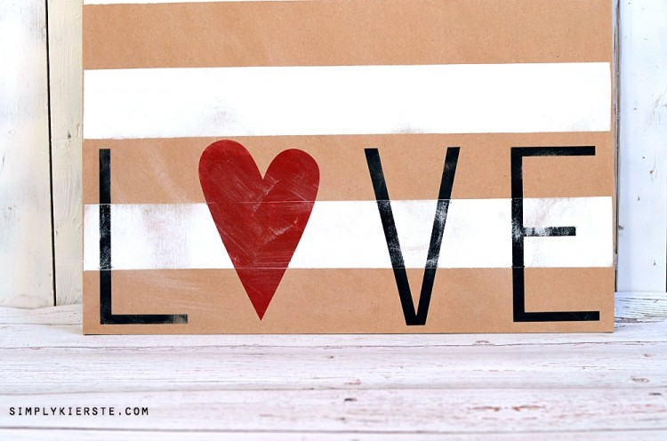 Striped Love Sign | simplykierste.com