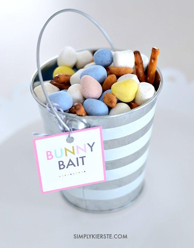 Bunny Bait Trail Mix | simplykierste.com