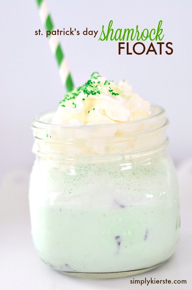 St. Patrick's Day Shamrock Float | simplykierste.com