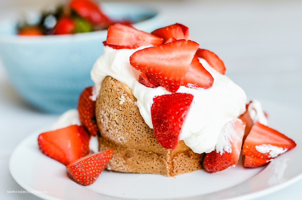 Lemon Poundcake with Strawberries & Lemon Cream