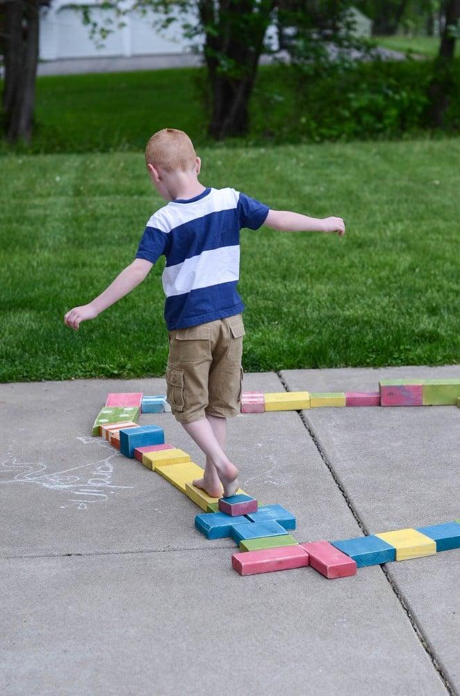 Cheap & easy DIY outdoor wooden blocks | oldsaltfarm.com
