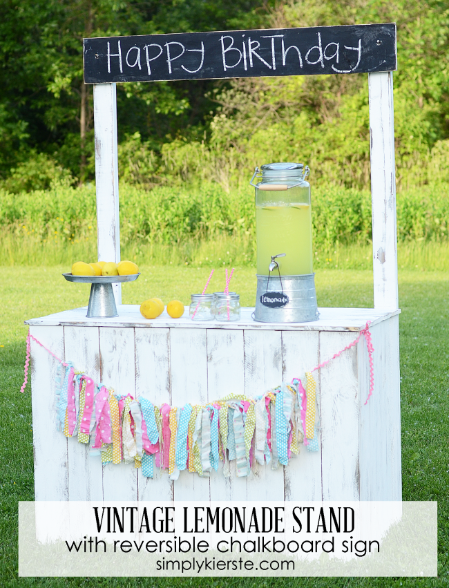lemonade stand with reversible chalkboard sign | simplykierste.com