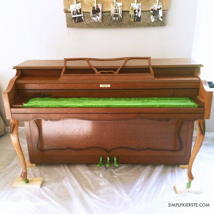 How to plank a piano & a chalk paint piano makeover | oldsaltfarm.com