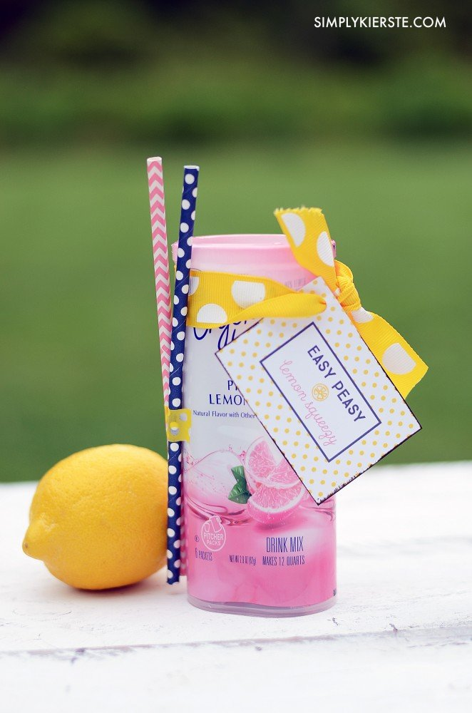 Easy peasy lemon squeeze...fun printable gift tag | simplykierste.com