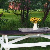 Farmhouse Picnic Table | simplykierste.com