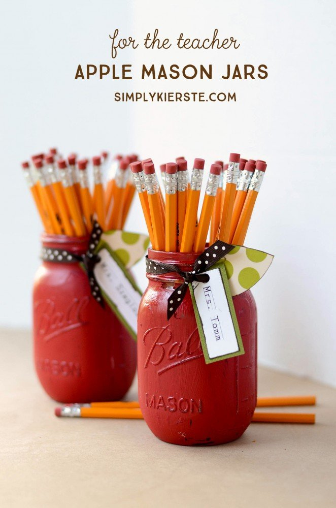 Apple Mason Jar Teacher Gift | oldsaltfarm.com