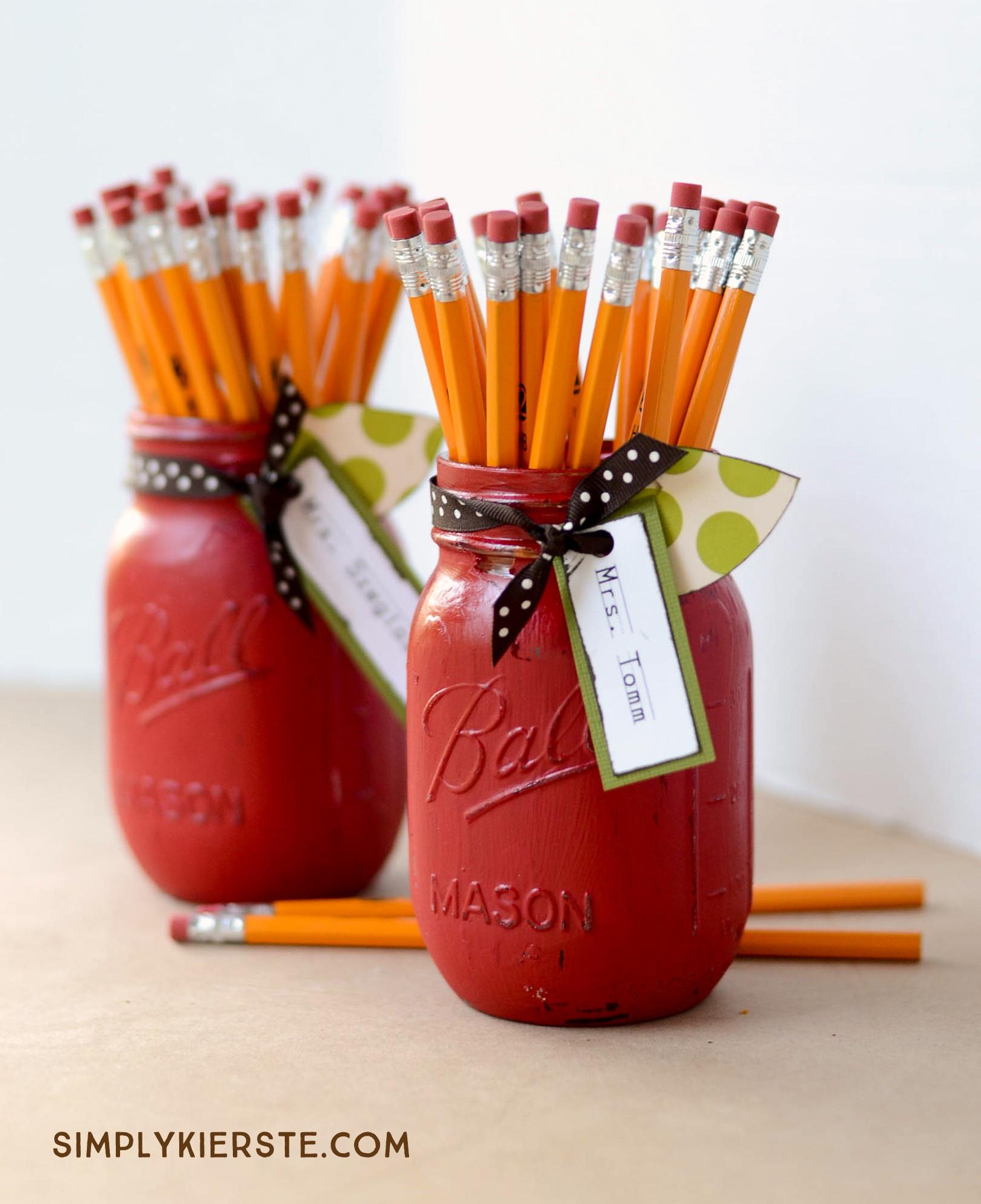 Apple Mason Jar Teacher Gift   simplykierste.com