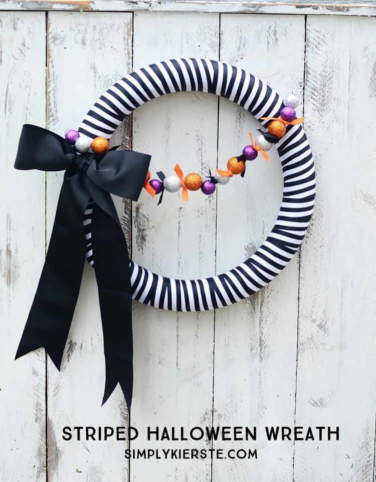 Striped Halloween Wreath | oldsaltfarm.com