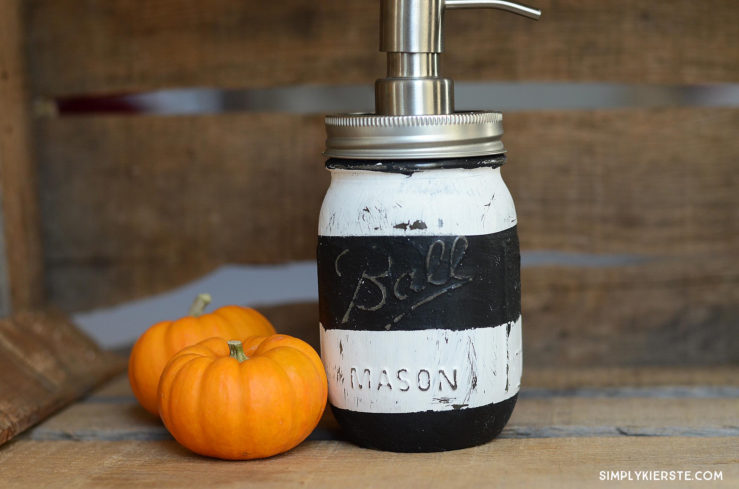 Striped Mason Jar Soap Pump | simplykierste.com