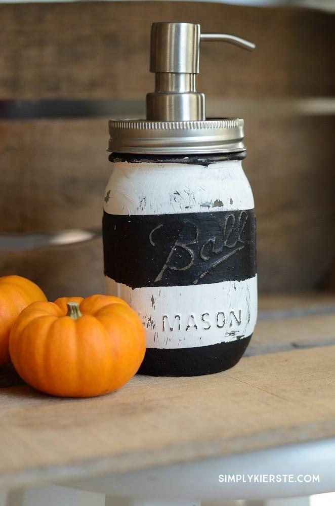 DIY Striped Mason Jar Soap Pump | simplykierste.com
