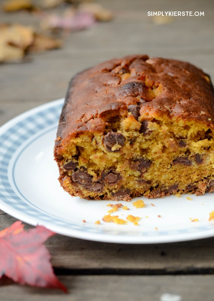 Pumpkin Chocolate Chip Bread | simplykierste.com