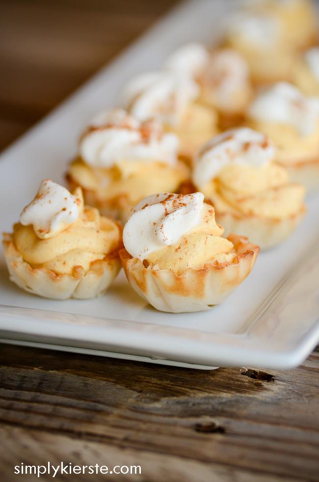 Impossibly Easy No-Bake Mini Pumpkin Cream Pies   simplykierste.com