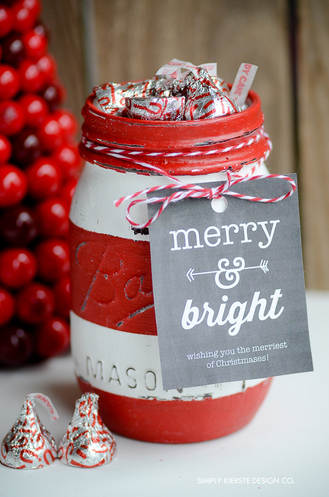 Red Striped Mason Gift Jar | Soap Dispenser | simplykierste.com #masonjargift #stripedmasonjars #masonjargiftideas #christmasgiftjar