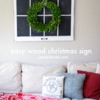Easy Wood Christmas Sign | oldsaltfarm.com
