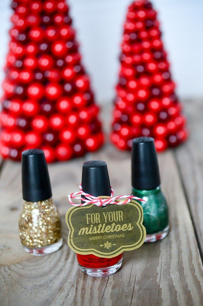 "For your ""mistle""toes nail polish gift idea & free printable 