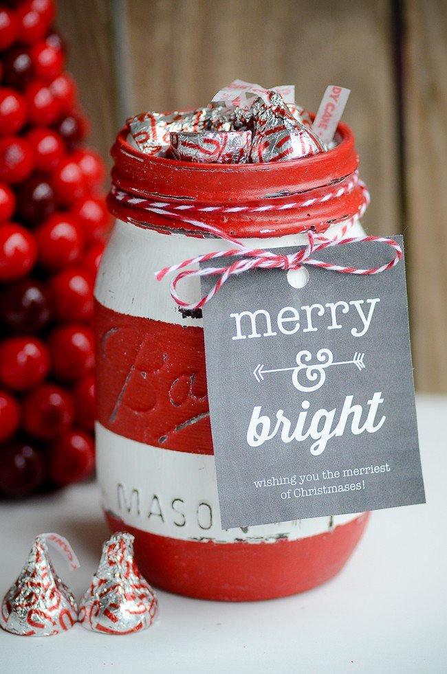 Christmas Mason Jar Soap Dispenser & Gift Jar | simplykierste.com